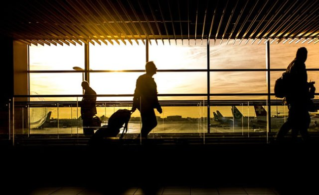 Cop Slaps Airline Staff For Not Issuing Boarding Pass At Ahmedabad Airport