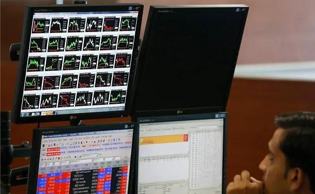 सेंसेक्स, निफ्टी एंड फ्लैट;  ऑटो, मेटल स्टॉक्स अंडरपरफॉर्म, एफएमसीजी शेयरों में बढ़त