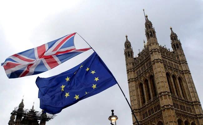 brexit queen approves uk