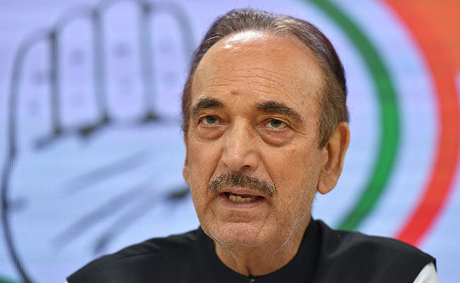 BJP Hits Out At Ghulam Nabi Azad for Kashmir Remarks, Says He Is Mentally  Bankrupt