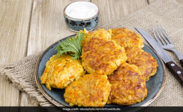 Bengali Street Food: Make Kolkata-Style Chicken Cutlet At Home (Recipe Video Inside)
