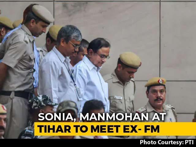 Manmohan Sonia Gandhi Meets Chidambaram In Tihar Jail