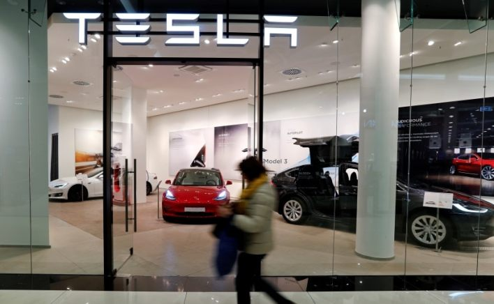 The search for showroom space and the new appointment signal Tesla is moving faster