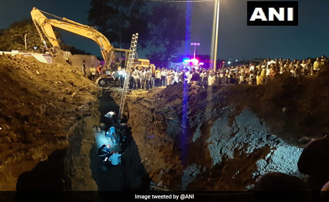 Firefighter Killed In Rescue Op To Save Child Who Fell Into Pit In Pune