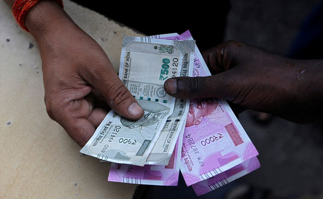 Rupee Vs Dollar: Rupee Up 16 Paise To Close At 72.49 Against US Dollar