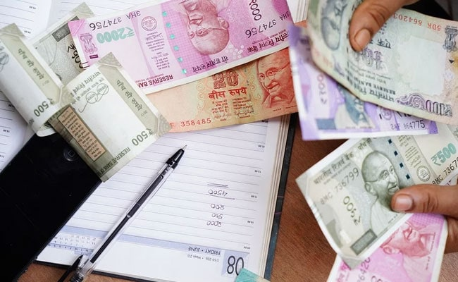 Rupee Edges Higher To Close At 73.13 Against Dollar After RBI Announcements