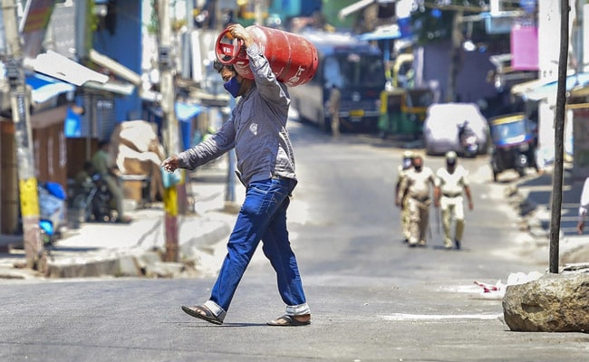 Photo of Karnataka Reports 71 COVID-19 Deaths In 24 Hours, Biggest Jump So Far