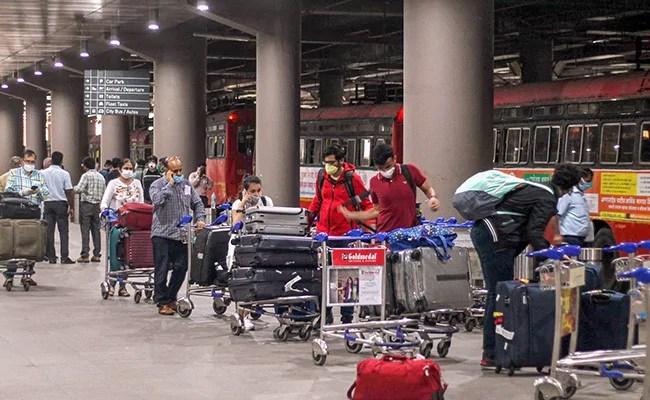 महाराष्ट्र आज से मुंबई के लिए 25 उड़ानों की अनुमति देगा, मंत्री कहते हैं