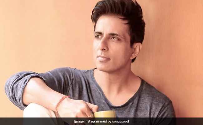 Actor Sonu Sood Launches Toll Unfastened Helpline For Migrants Going House