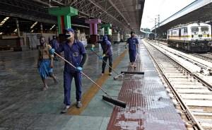 आज से अनुसूची के अनुसार चलने वाली विशेष ट्रेनें: रेलवे