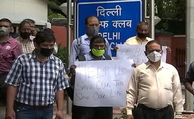 दिल्ली में भारत के सबसे विशिष्ट गोल्फ क्लबों में से एक में 66 कर्मचारी आमिर महामारी से घिर गए