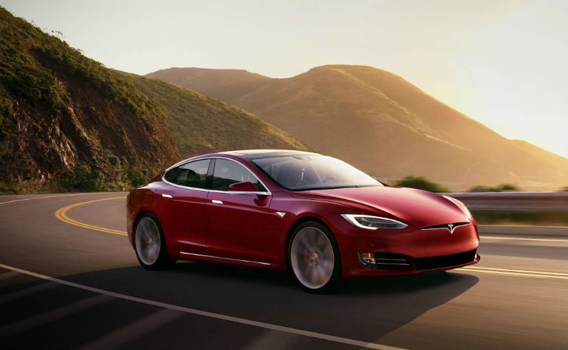 Tesla has cut the price of Model S sedan by 4% in the United States, and by 3% in China