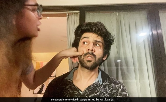 Kartik Aaryan Was Laughed At For Saying Amitabh Bachchan Tagged Him To Gulabo Sitabo Challenge
