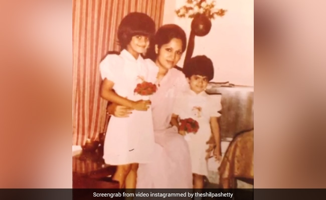 """Shilpa Shetty's Post For """"OG Constants"""" Mom Sunanda And Sister Shamita Is Just Too Cute"""