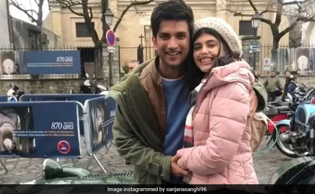 """Pics From Dil Bechara Co-Stars Sanjana Sanghi And Sushant Singh Rajput's """"Dreamy Days In Paris"""""""