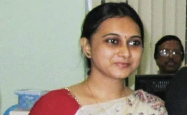 Applauded In Fight Against Pandemic, Bengal Bureaucrat Dies Of Covid