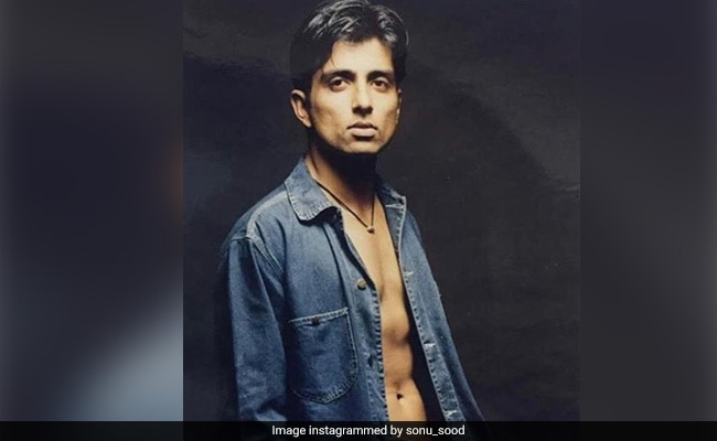 'And I Dared To Become An Actor': Sonu Sood's Pic From 1997 Goes Viral. Farah Khan Leaves ROFL Comment