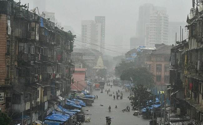 Pre-Monsoon Showers Arrive As Rain Lashes Mumbai, Says Weather Department