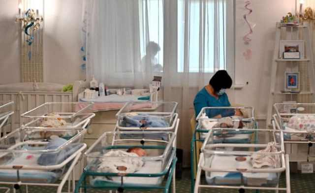 Stranded Babies, Sobbing Parents: Pandemic Splits Surrogates From Families