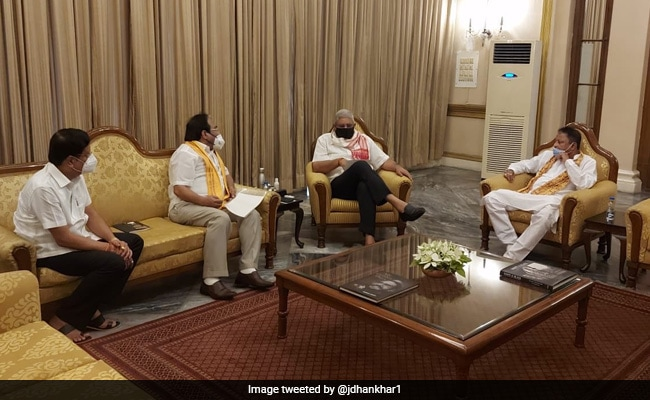 BJP Delegation Meets Bengal Governor, Demands CBI Probe Into Councillor's Murder