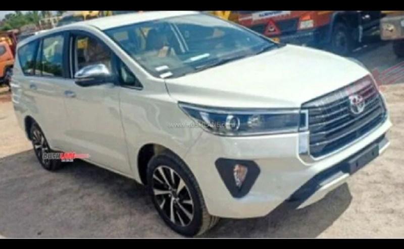 नई टोयोटा इनोवा क्रिस्टा फेसलिफ्ट को जल्द ही देश में लॉन्च किए जाने की उम्मीद है