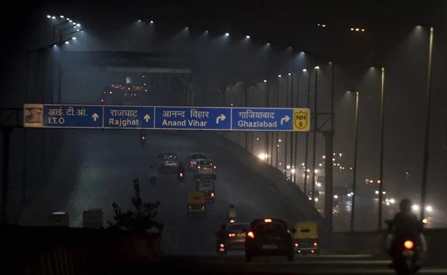 Delhi has been recording poor AQI since the last four days.