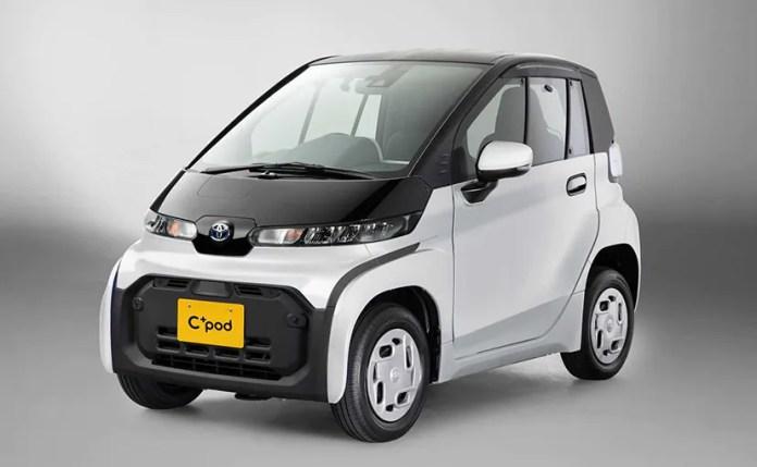 टोयोटा सी + पॉड की लंबाई केवल 2,490 मिमी है, जो कि कुछ सेडान के व्हीलबेस की तुलना में कम है