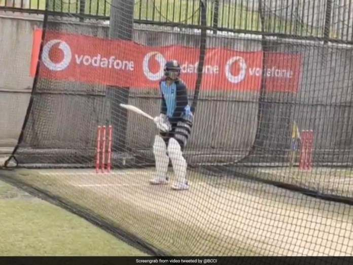 India vs Australia: Shubman Gill Hits The Nets As Team India Land In Melbourne Ahead Of Boxing-Day Test. Watch