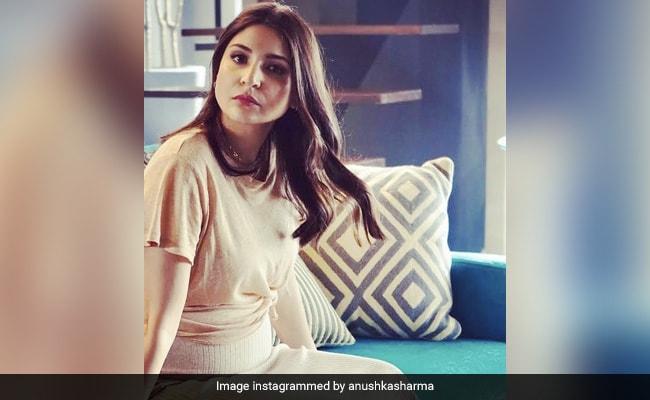 'Stop This Right Now': Anushka Sharma Furious Over Unauthorized Pic Of Her And Virat Kohli