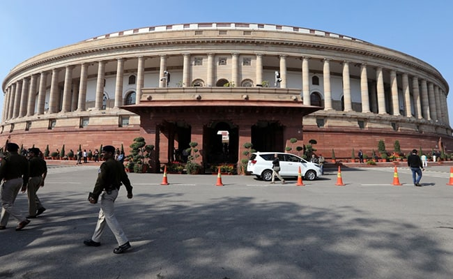 'Total Chaos': Sena Leader Calls For Special Parliament Session On Covid
