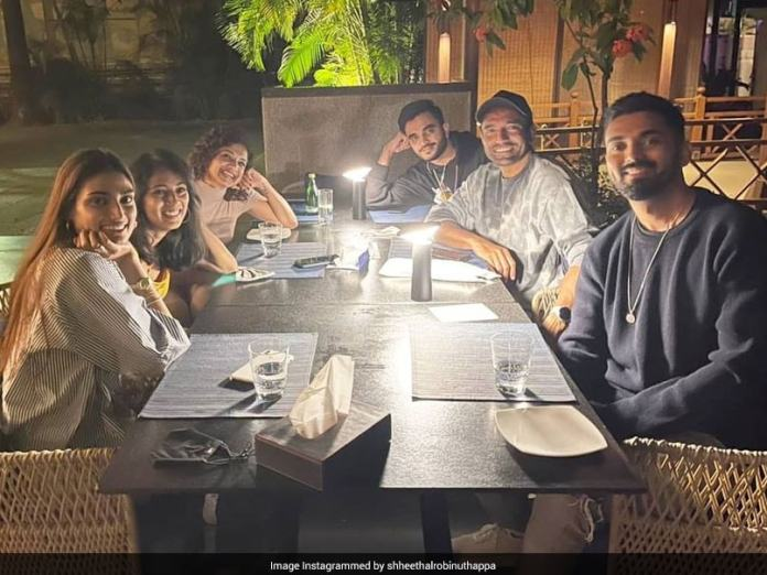 KL Rahul, Athiya Shetty Join Robin Uthappa And His Wife For A Get Together. See Pics
