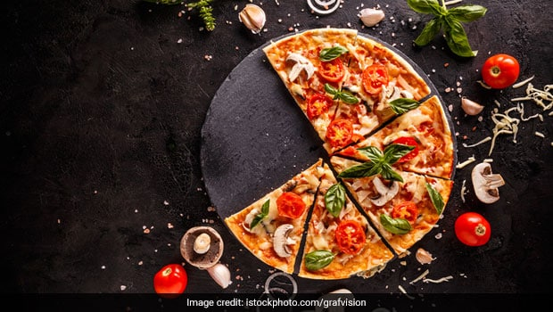 Want To Make Something Interesting For Family? This Uttapam Pizza Recipe Is At Your Disposal