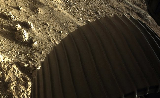 Mars Rover Beams Back Spectacular New Images