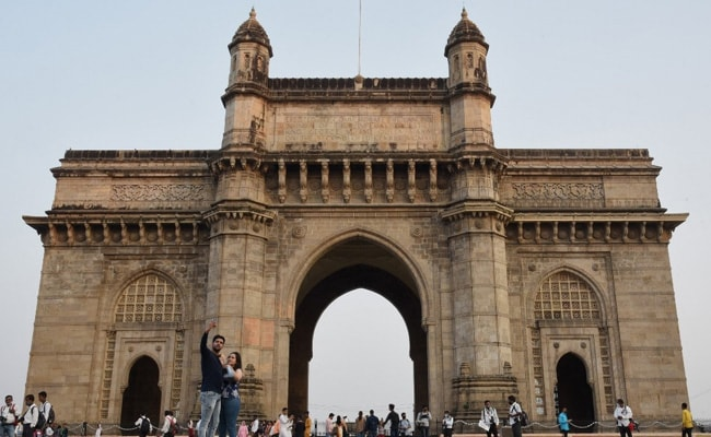 Mumbai Records Highest One-Day COVID Deaths Since October, Over 10,000 New Cases