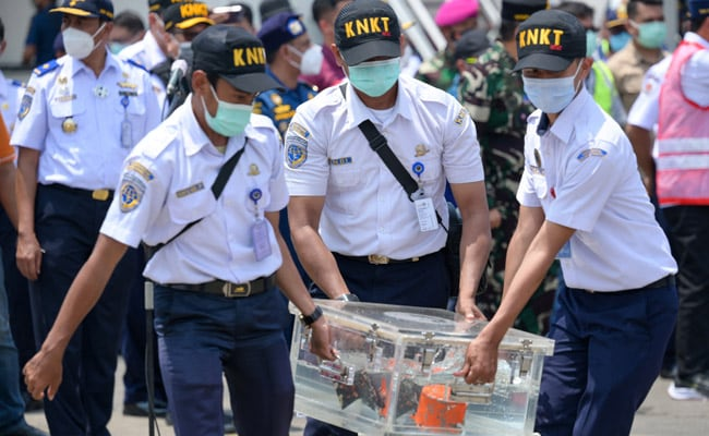 Indonesia Retrieves Black Box From Boeing 737 Crashed 2 Months Ago
