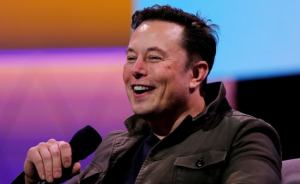 Elon Musk after SpaceX won a $ 2.9 billion moon landing deal