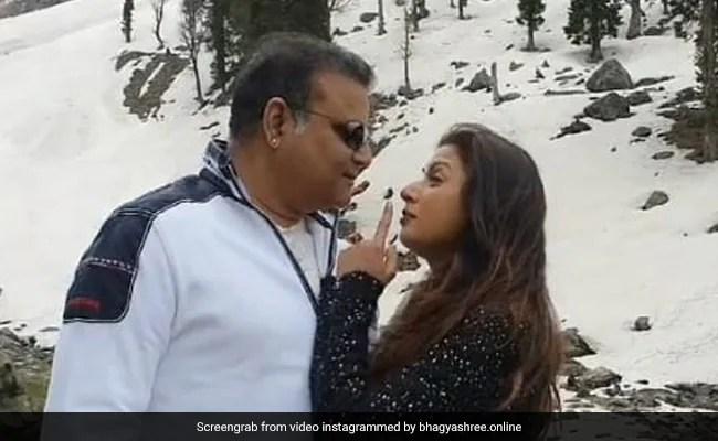 When Bhagyashree Recreated Her 'Favourite' Chandni Song With Husband Himalaya Dassani