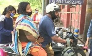 Desperate Plea Place Outside Covid Hospital Upper Delhi