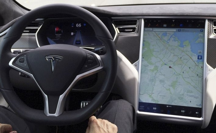 Teslas Can Be 'Easily Tricked' To Run With Vacant Driver Seat: Research Body
