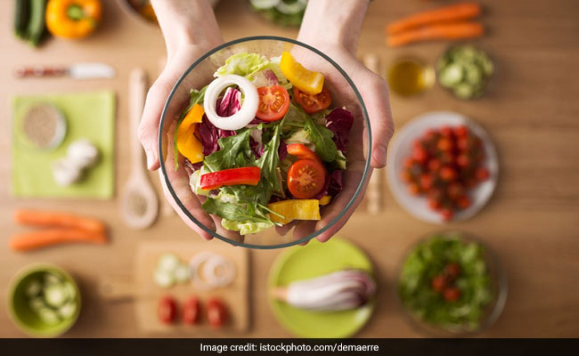 5 Food Tips By Celeb Nutritionist Rujuta Diwekar For People Recovering From COVID-19