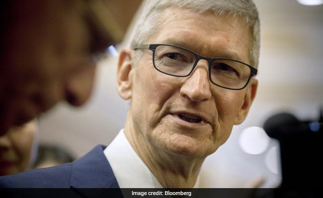 What Tim Cook Said On Elon Musk's Claim Of Trying To Sell Tesla To Apple