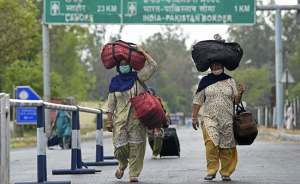 100 Sikh pilgrims test positive on return from Pakistan after Baisakhi