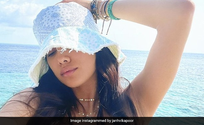 'Last To Get On The Maldives Bandwagon' But This Actress Totally Gets The Hype