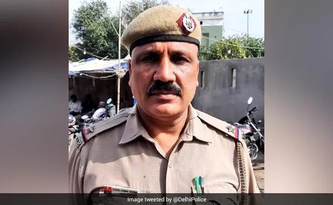 Family Unwilling, Delhi Cop Takes Covid Victim's Body To Crematorium