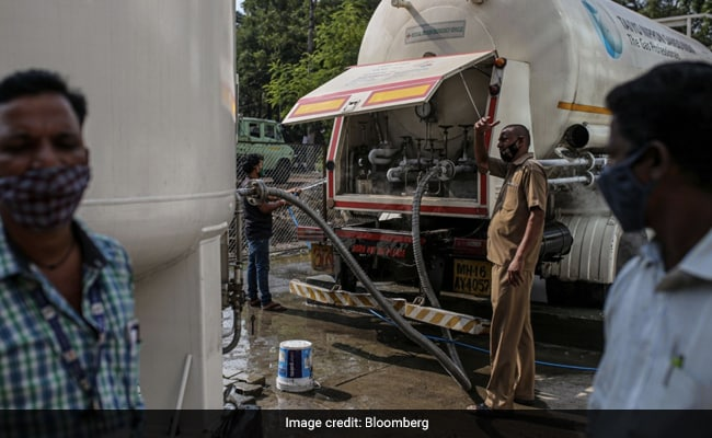 Oxygen Shortage In India's Covid Crisis Sparks Hunt for $1,000 Machines