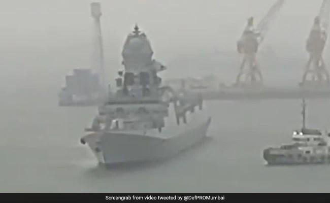 १४ मृत, ९७ लापता, नौसेना बचाव अभियान उन जहाजों के लिए जारी है जो भटक गए हैं