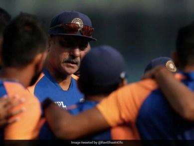 """""""नियम बीच में ही बदल गए लेकिन…"""": रवि शास्त्री ऑन इंडिया रिटेनिंग नंबर 1 टेस्ट रैंक"""