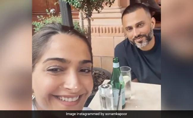 Inside Sonam Kapoor And Husband Anand Ahuja's 'Date Night'