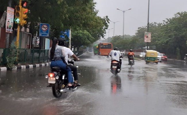 Parts Of Delhi Receive Rain;  Maximum Temperature At 36.4 Degrees Celsius