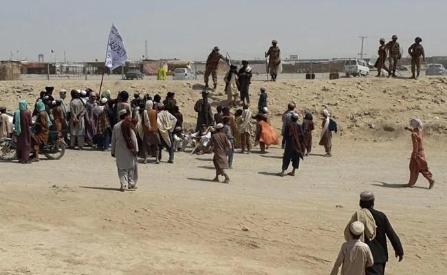 Afghanistan Forces Fighting To Retake Key Pakistan Border Crossing